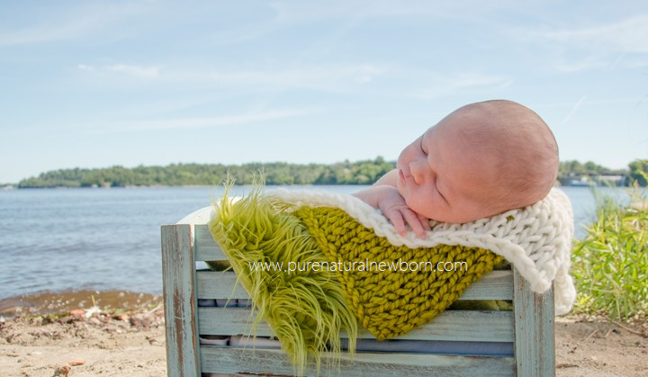 outdoor ottawa baby photos gatineau park jacques cartier beach newborn photography pure natural organic crate