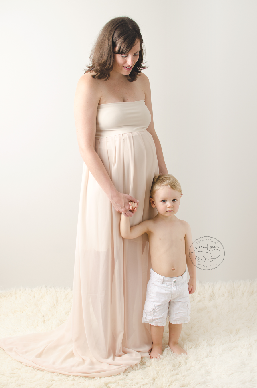 maternity photo session pregnancy photos white mom to be baby belly cream ruffled dress little boy_STF7685