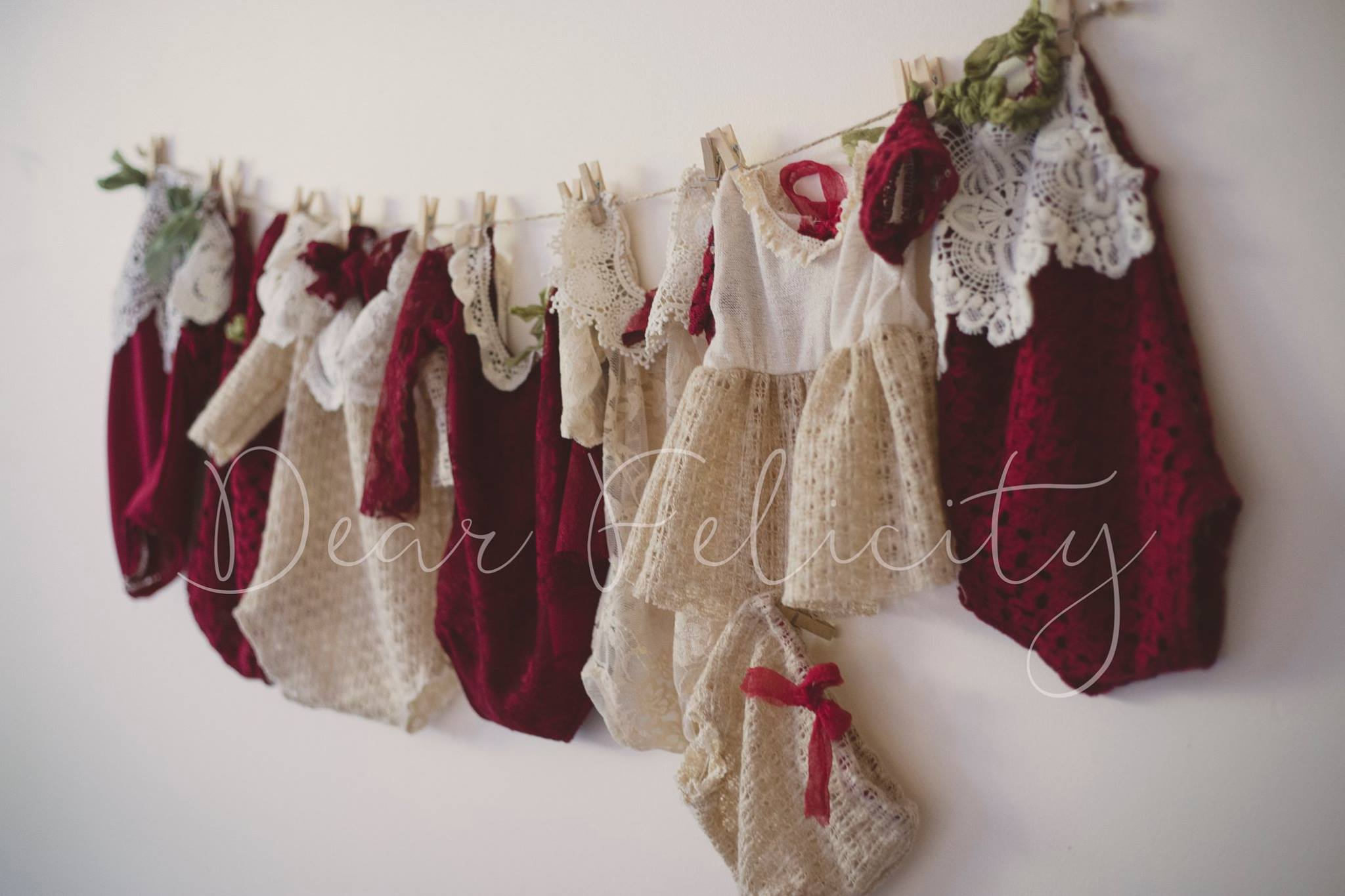 dear-felicity-holiday-photo-props-baby-photography-rompers-canada-christmas-canadian-vendor